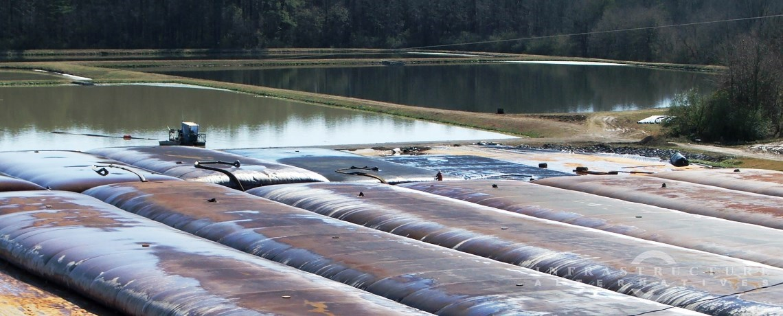 Wastewater lagoon cleaning project, hydraulic dredging to geotextile tubes