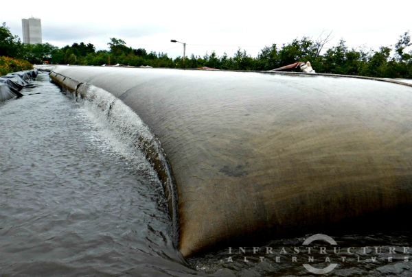 Dewatering geotextile tube