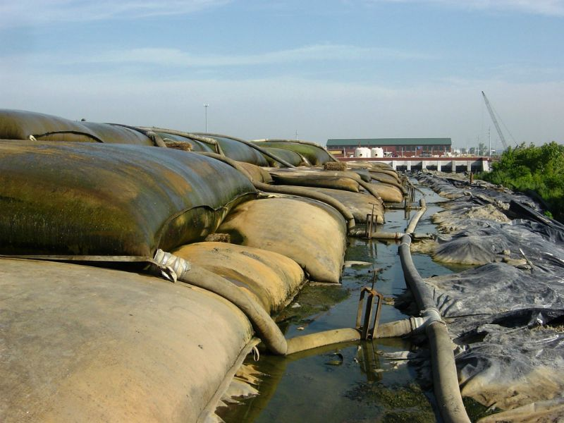 Stacked geotextile tubes
