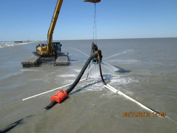Pump used to fill the geotextile tubes