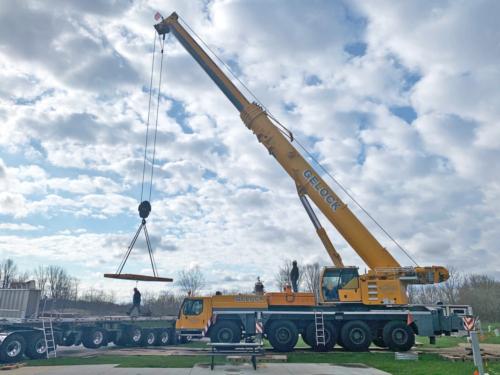 Crane lifting equipment