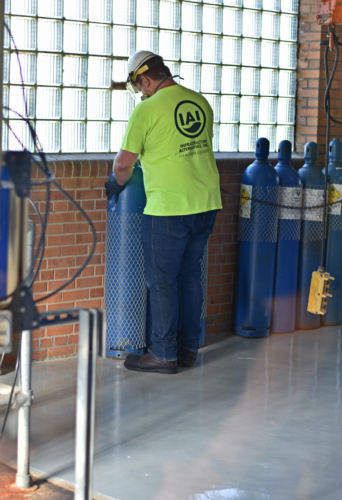 Changing chlorine cylinders