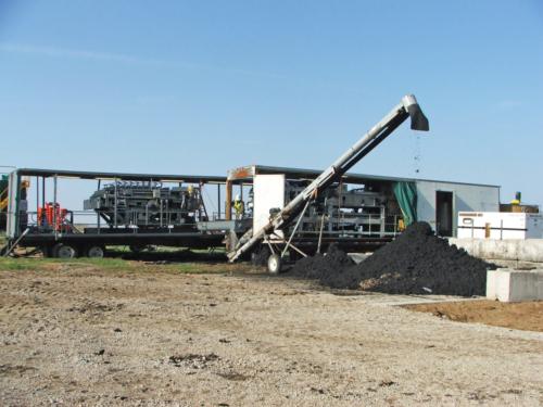 Belt filter dewatering equipment and dewatered biosolids