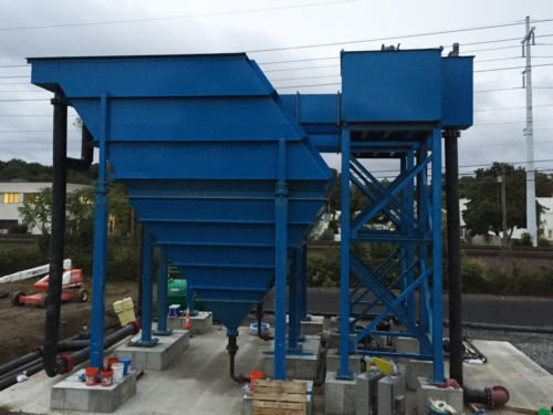 Inclined plate clarifier installation