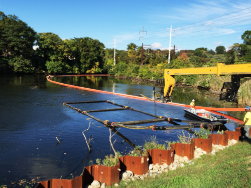 Effluent diffuser in Mill River